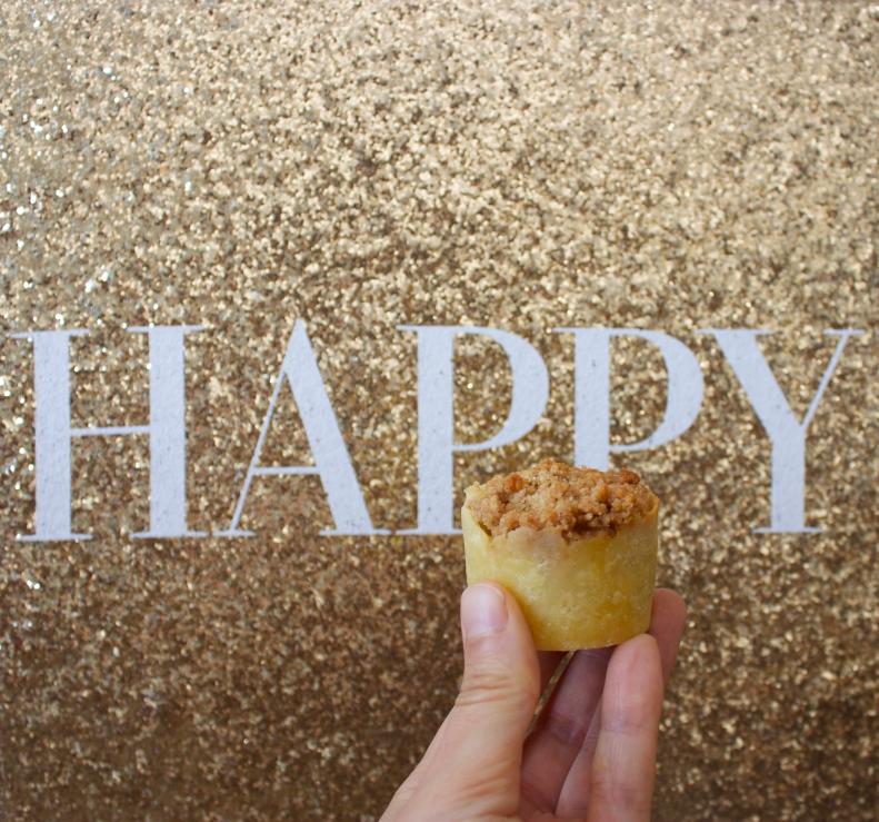 Happy Mini Apple Pies
